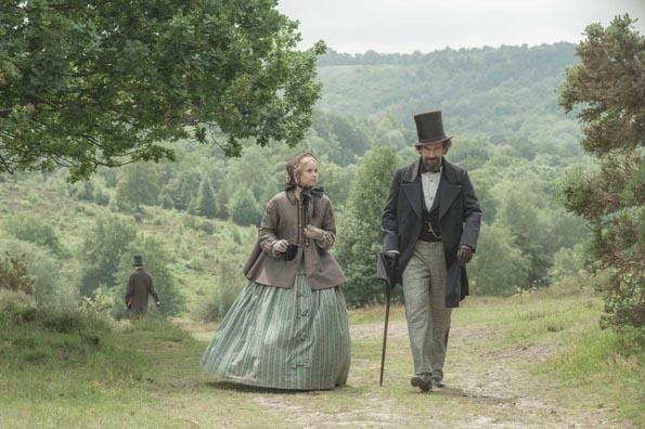 La mujer invisible (Ralph Fiennes)