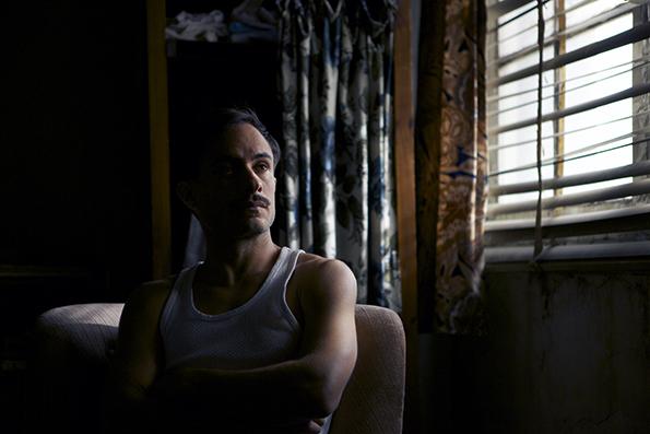 Neruda - Gael Garcia Bernal (Oscar Peluchonneau)